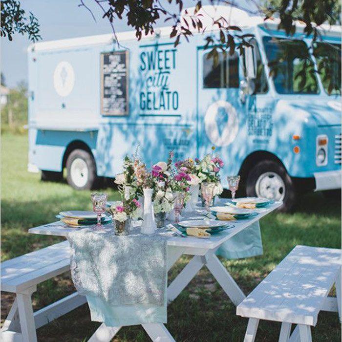 summer food truck wedding