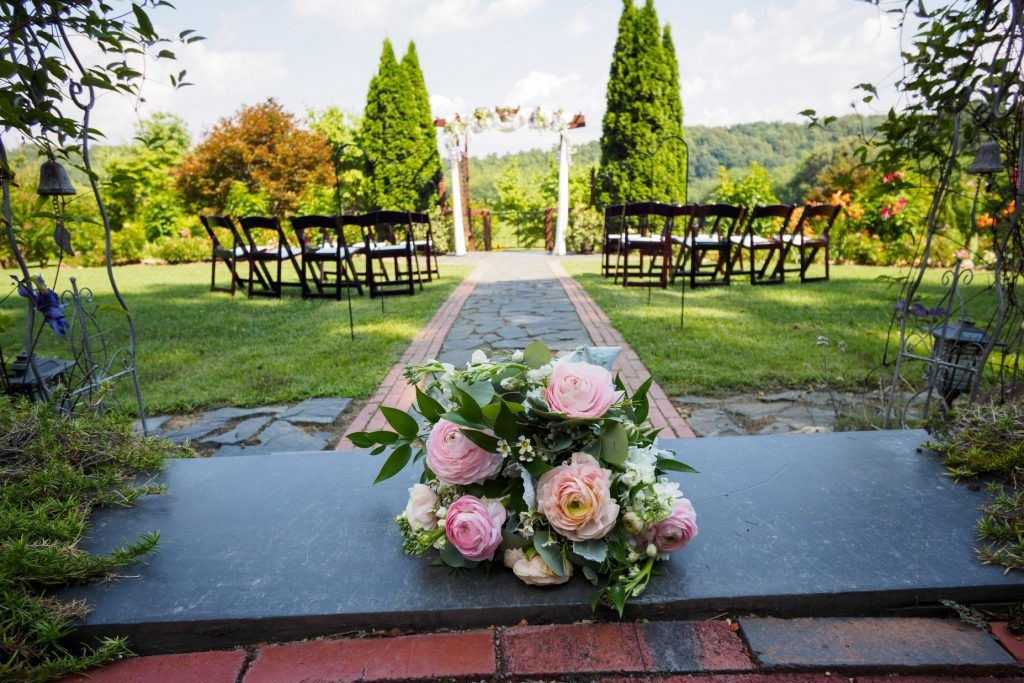 Storybrook Farm micro wedding venue and package  Nashville Tennessee
