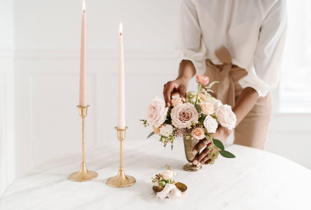 micro wedding table decor